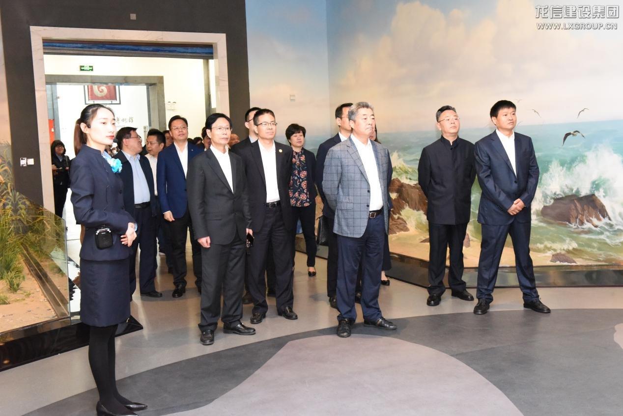 龙信集团积极参与海门文化产业建设,向江海博物馆捐赠